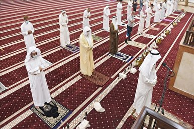 Kuwait to Allow Friday Prayers After Four Months